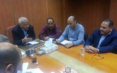 قام السيد المهندس محمد سعيد نشأت بالاجتماع الاسبوعى مع مقاولى مشروع خدمات الصرف الصحى المستدامة فى المناطق الريفية بمركزي كوم حماده وبدر