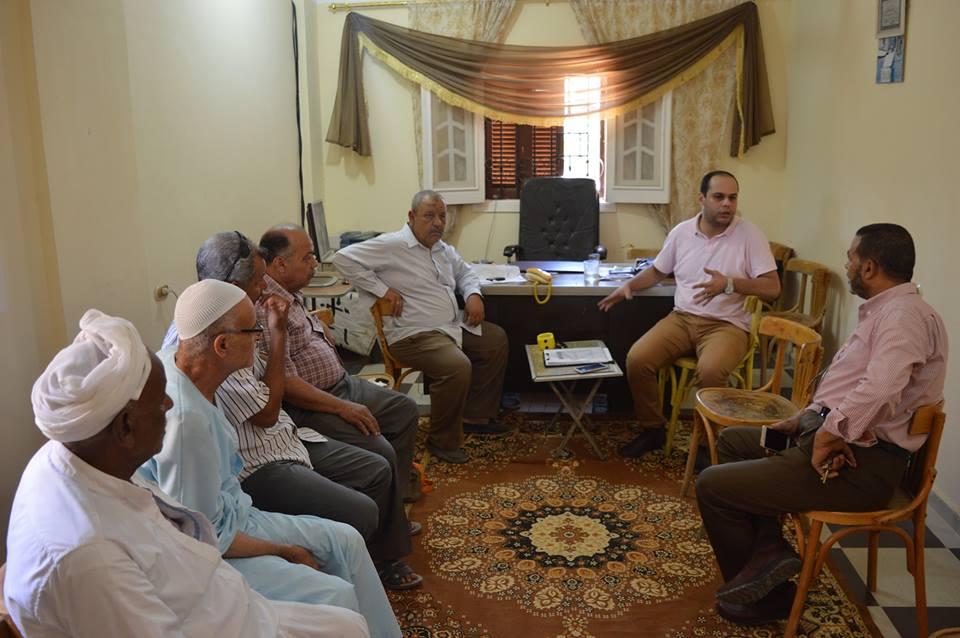 اجتماع بديوان الوحدة المحلية لقرية أم صابر