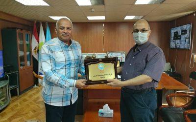 بحضور السيد المهندس محمد نشأت تم تكريم المهندس اشرف الشمسى رئيس قطاع الحاسب الالى